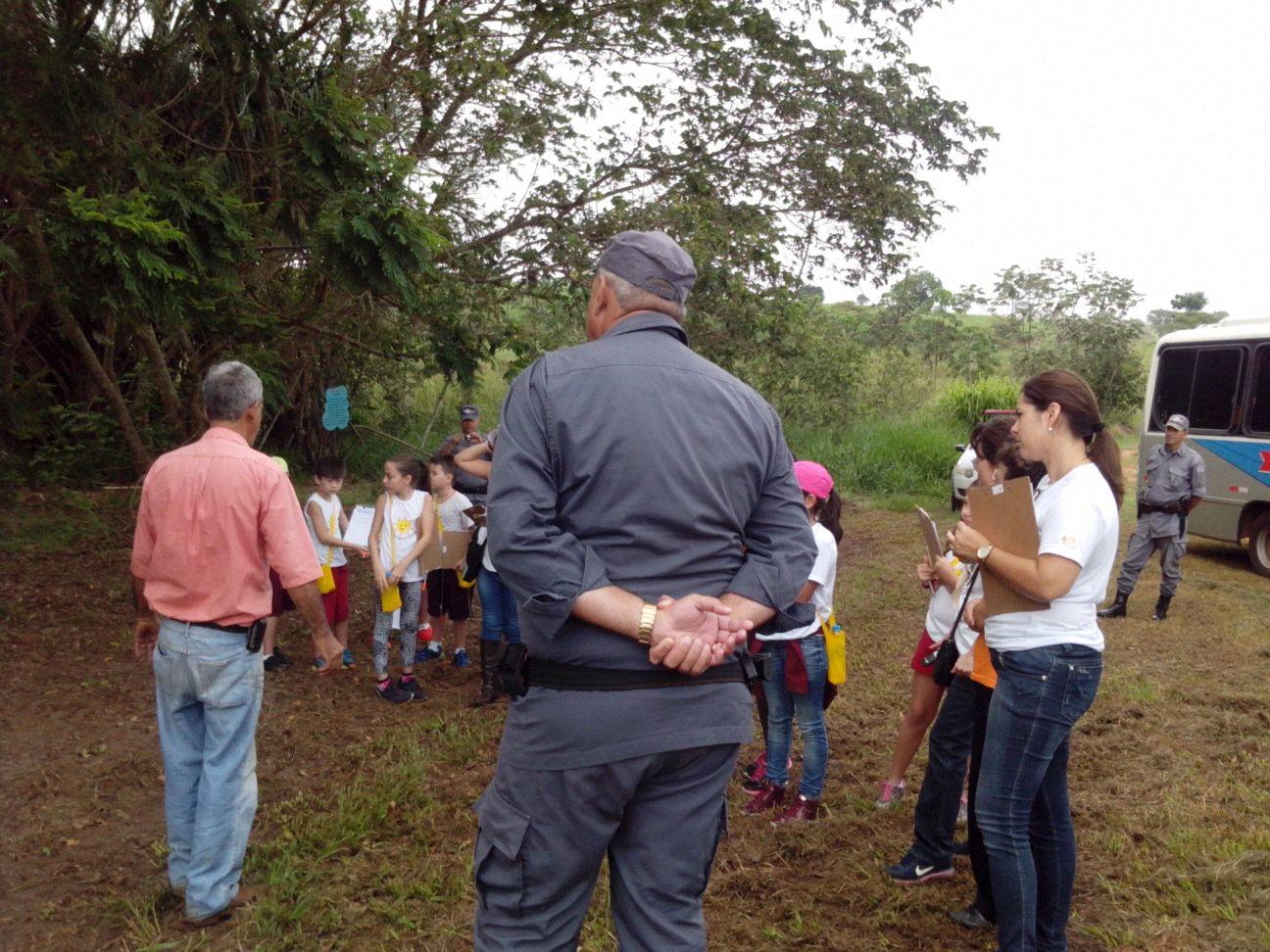 Alunos de Pereira Barreto visitaram o projeto de preservação desenvolvido da Fazenda Santa Terezinha